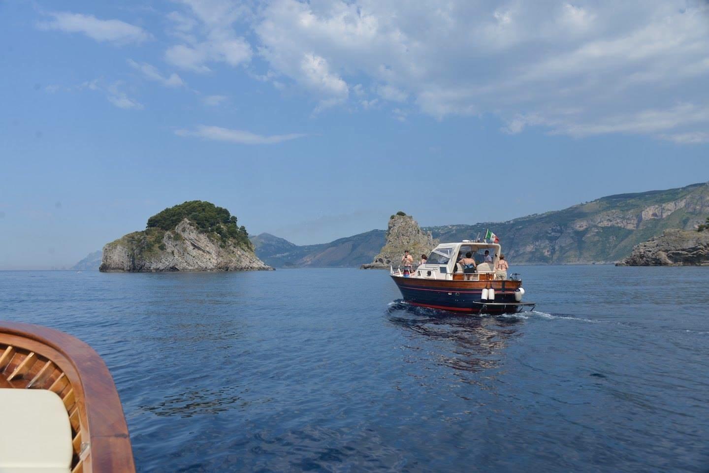 Private boat Capri to rent