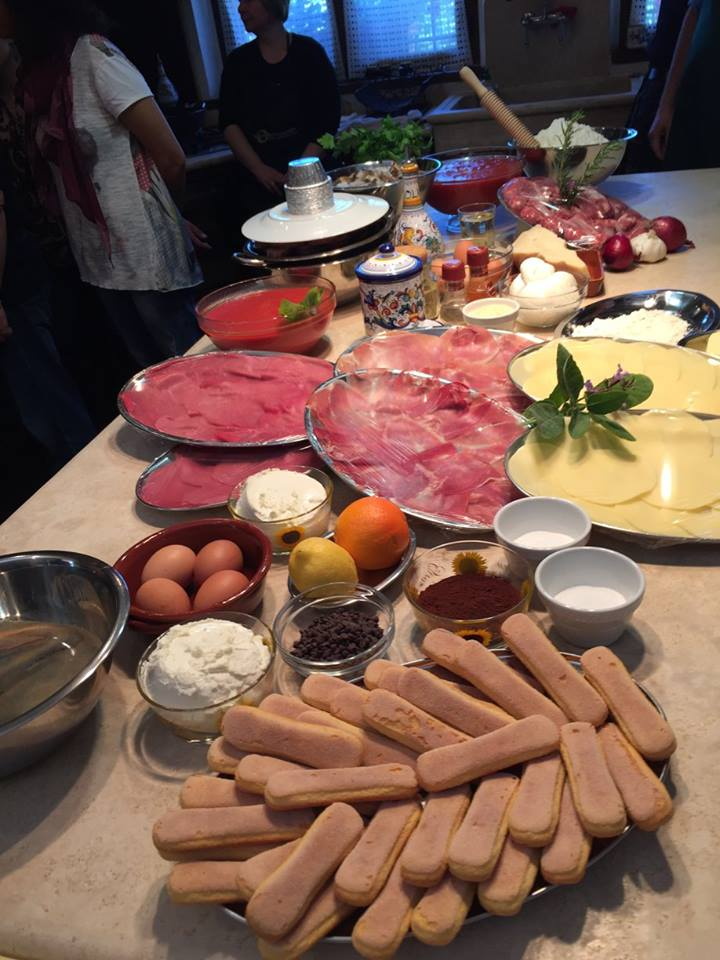 Enjoy a day with a local mamma in Viterbo and Soriano to cook the most tradition recipes. Hands on menu